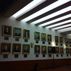 Photo taken at Tribunal Superior de Justicia del Distrito Federal - Juzgados de lo Familiar by Carlos C. on 12/4/2012