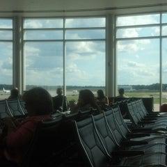 Photo taken at Concourse B - Richmond International Airport by Olanrewaju A. on 9/27/2013