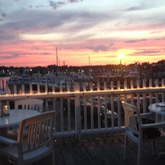 Photo taken at Tugboats Restaurant by Maureen L. on 7/11/2014