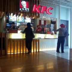 Photo taken at KFC by Bimo N. on 8/24/2011