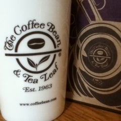 Photo taken at The Coffee Bean & Tea Leaf by cecilia c. on 12/3/2012