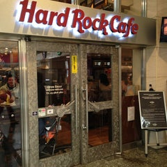 Photo taken at ハードロックカフェ 上野駅 (Hard Rock Cafe - Ueno-Eki) by Wesley S. on 1/19/2013