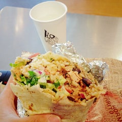 Photo taken at Chipotle Mexican Grill by Tai L. on 7/21/2013
