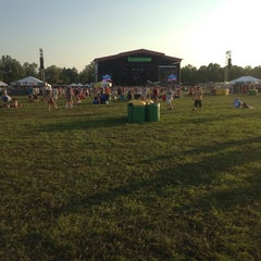 Photo taken at What Stage at Bonnaroo Music & Arts Festival by Benjamin C. on 6/15/2014