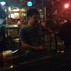 Photo taken at ร้านโต่ง by A U M T O X I C 🎀 on 3/16/2015