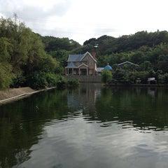 Photo taken at 台灣山豬城 by Charles W. on 9/20/2013