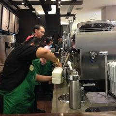 Photo taken at Starbucks (สตาร์บัคส์) by Gori C. on 4/12/2013