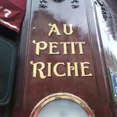 Photo taken at Au Petit Riche by Guillaume d. on 10/23/2015