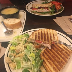 Photo taken at Corner Bakery by Ruthie S. on 1/6/2016