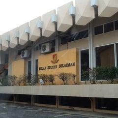 Photo taken at Kelab Sultan Sulaiman by hafidz d. on 1/12/2012