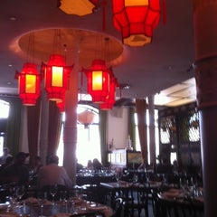 Photo taken at Chinatown Brasserie by Fran v. on 5/22/2012