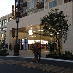 Photo taken at Apple Store, The Americana at Brand by Steven B. on 10/16/2012