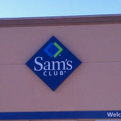Photo taken at Sam's Club by Lynette T. on 11/28/2012