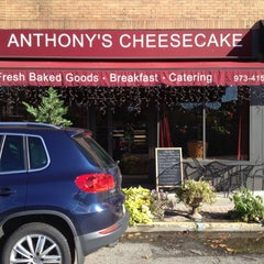 Photo taken at Anthony's Cheesecake by Mark R. on 10/16/2012