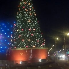 Photo taken at Mall El Jardín by Bachi P. on 12/9/2012