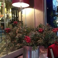 Photo taken at Fes Cafe by Ebru nur Ç. on 1/19/2013