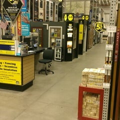 Photo taken at Lowe's Home Improvement by Rodney A. on 12/3/2012