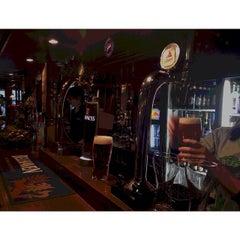 Photo taken at British Pub MORRIS' BLACK SHEEP by glitter on 5/6/2014