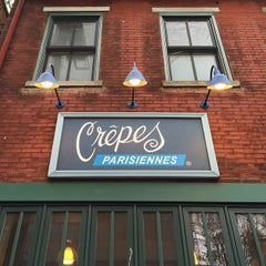 Photo taken at Crepes Parisiennes by Lesley G. on 11/1/2014