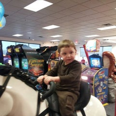 Photo taken at Chuck E. Cheese's by Gabrial H. on 2/8/2013