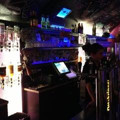 Das Foto wurde bei Wombata City Bar von Juanjo B. am 12/6/2012 aufgenommen
