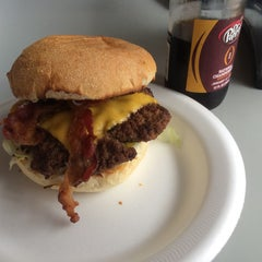 Photo taken at Hubcap Grill by Vlad D. on 3/19/2015