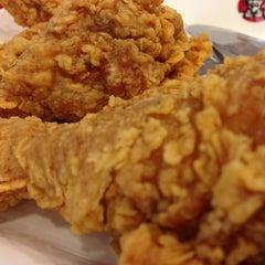 Photo taken at KFC (เคเอฟซี) by cps b. on 3/15/2013