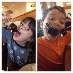 Photo taken at Golden Corral by Lisa B. on 10/6/2013