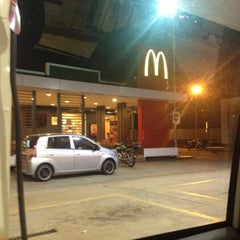 Photo taken at McDonald's by Lola l. on 12/18/2012