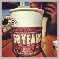 Photo taken at The Coffee Bean & Tea Leaf® by Ryan J. on 4/18/2013