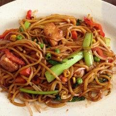 Photo taken at Zenhouse Yum Cha Restaurant by Nola F. on 4/29/2013