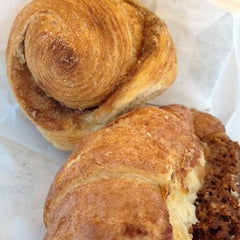 Photo taken at La Farine Boulangerie Patisserie by Stephanie W. on 12/14/2013