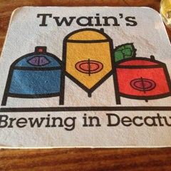 Photo taken at Twain's Brewpub & Billiards by Maurice on 10/16/2012