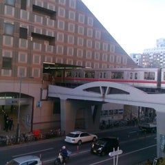 Photo taken at 後楽園駅 (Kōrakuen Sta.)(M22/N11) by Jason G. on 1/20/2013