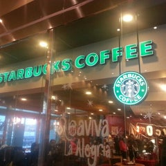 Photo taken at Starbucks Coffee by Luly R. on 12/30/2012