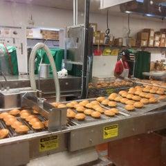 Photo taken at Krispy Kreme Doughnuts by Rob B. on 8/3/2013