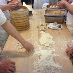 Photo taken at Din Tai Fung Dumpling House by Melissa G. on 6/1/2013