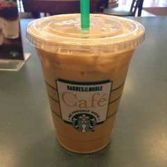 Photo taken at Starbucks by Holly S. on 4/13/2014