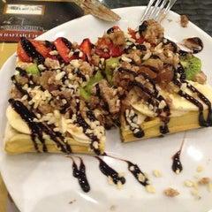 Photo taken at Şato Cafe & Restaurant by eRKan T. on 4/20/2013