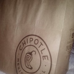 Photo taken at Chipotle Mexican Grill by Nichelle E. on 12/23/2012