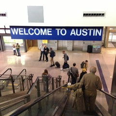 Das Foto wurde bei Austin Bergstrom International Airport (AUS) von Kaizen F. am 3/13/2013 aufgenommen