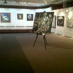 Photo taken at Korean Cultural Center (한국문화원) by samitra r. on 12/14/2012
