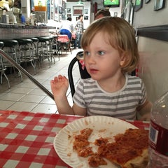 Photo taken at Mulberry Street Pizzeria by Filmester on 6/13/2015