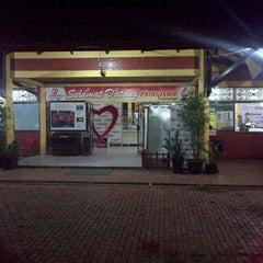 Photo taken at Restoran Pringsewu by Irfan F. on 3/14/2014