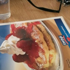 Photo taken at IHOP by Joy R. on 11/24/2012