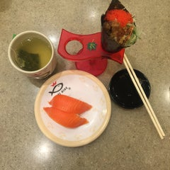 Photo taken at Sushi King by Bella R. on 10/5/2015