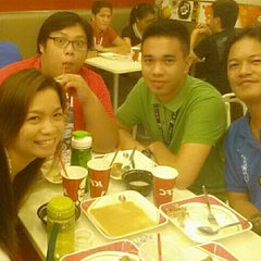 Photo taken at KFC by Eleonor T. on 6/6/2014