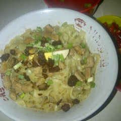 """Photo taken at Mie Keriting Siantar """"Ahok"""" by William A. on 5/2/2013"""