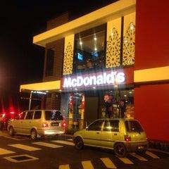 Photo taken at McDonald's Kok Lanas Drive Thru by Muhammad E. on 12/20/2013