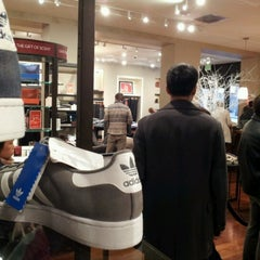 Photo taken at Banana Republic by Robert D. on 12/26/2012